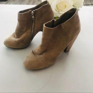 Mossimo Size 9 Heeled Booties